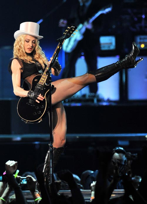 madonna-sticky-sweet-tour-1