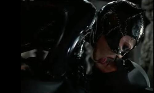 batman mulher-gato beijo