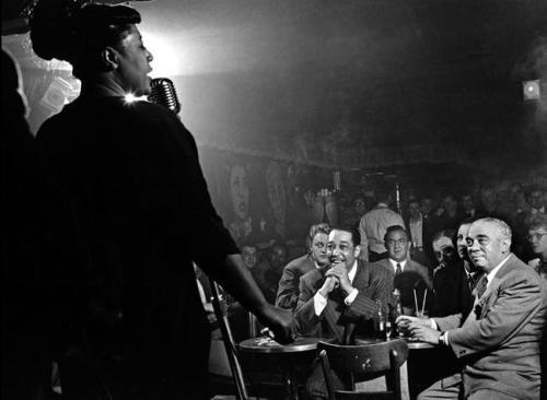 herman leonard - ella fitzgerald canta para duke ellington e benny goodman - nyc - 1949